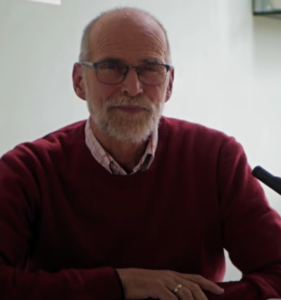 Wim Verwoerd spreekt in Veenendaal met Jom Kippoer